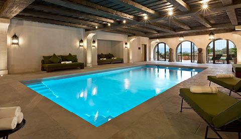 la-bastide-de-gordes-spa-sisley-piscine